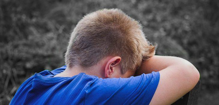 niño víctima de divorcio conflictivo